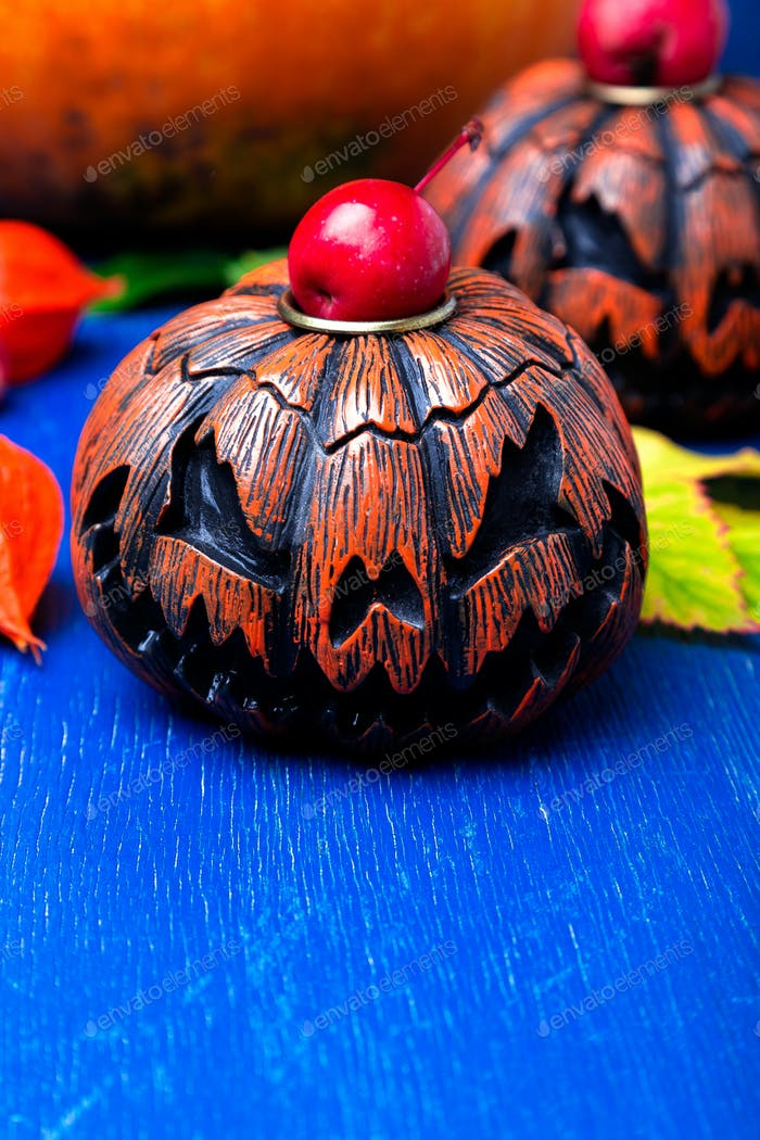 Glowing Halloween pumpkin heads jack o lantern