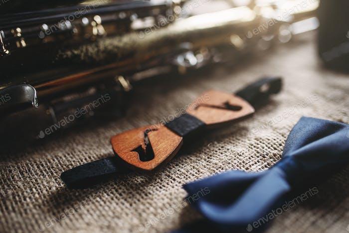 Saxophone, brass band instrument equipment
