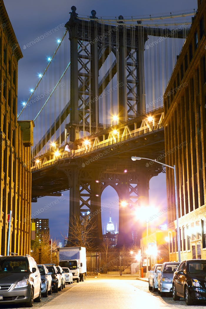 Manhattan Bridge Street view
