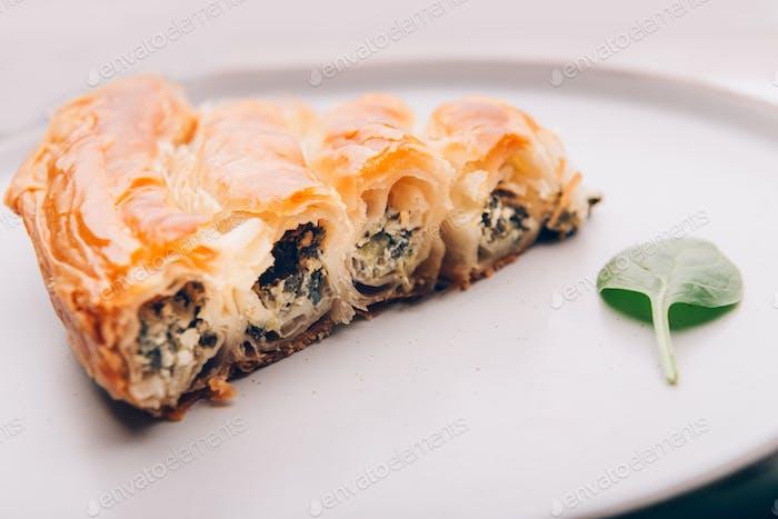 Filo Spinat und Feta Twist Pie