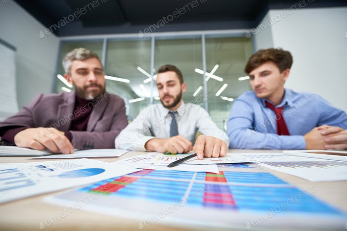Analyzing Financial Figures