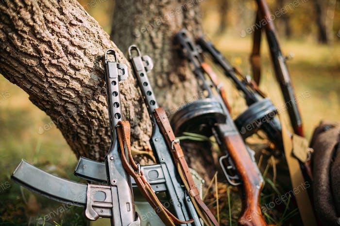 Sowjetische russische Militärmunition Waffe des Zweiten Weltkriegs. PPS-4