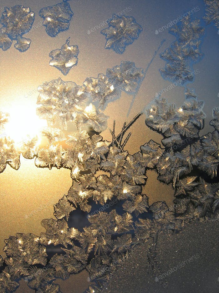 Ice pattern and sunlight