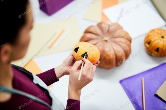 Making spooky pumpkin
