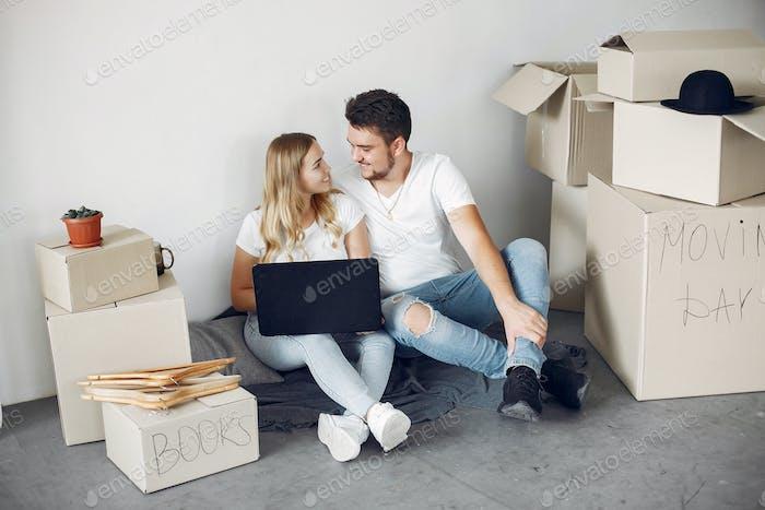 Paar bewegen und mit einem Boxen