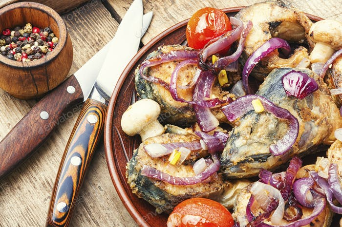 Fried mackerel with vegetables