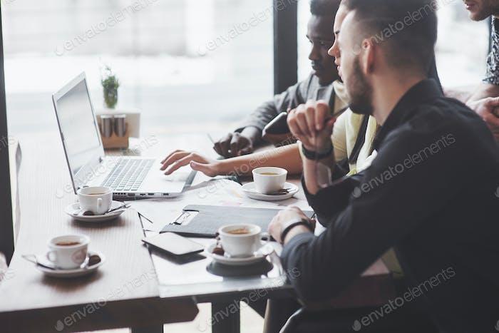 Многоэтнические деловые люди, предприниматель, бизнес, концепция малого бизнеса