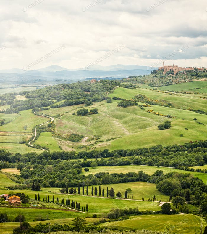 Thumbnail for View of the town of Pienza with the typical Tuscan hills