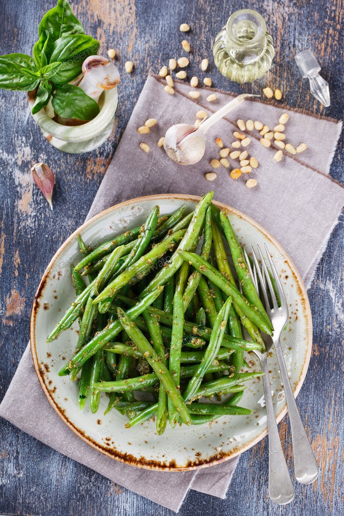 Grüne Salat grüne Bohnen mit Pesto