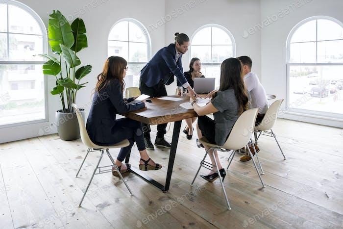 Creativos en una reunión