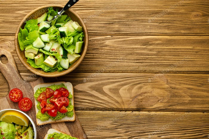 Avocado salad and toasts