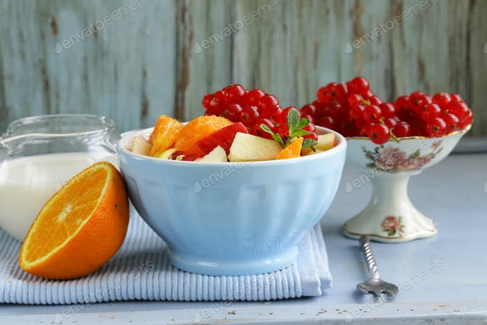Obstsalat mit Orange