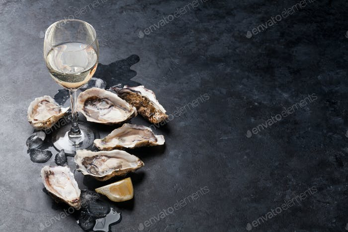 Oysters with lemon and white wine