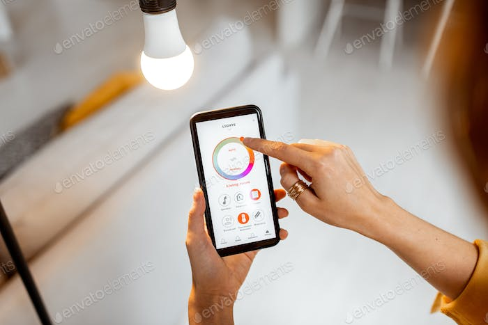 Controlling light bulb with mobile device