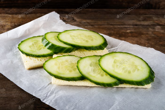 Gluten Free Crispbread and Cucumber Slices
