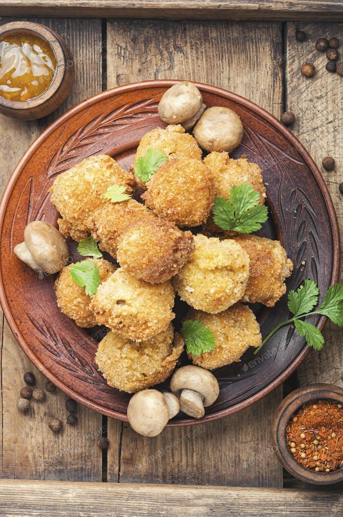 Champignon-Pilze frittiert