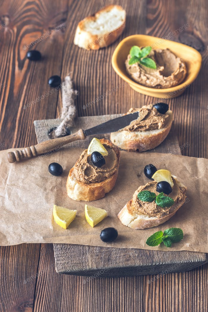 Toasts with chicken liver pate
