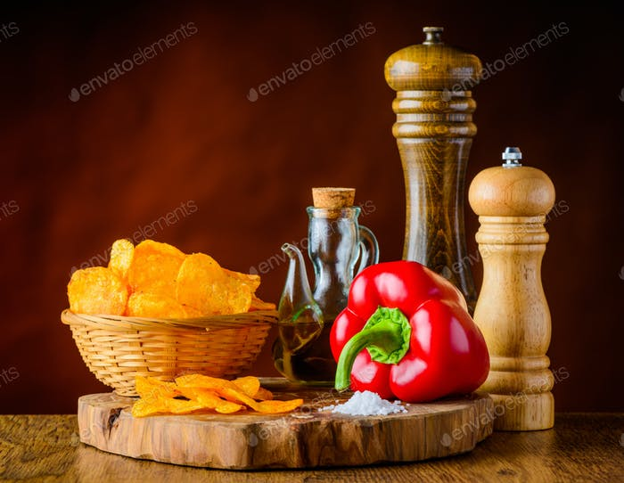 Potato Chips, Red Pepper and Ingredients