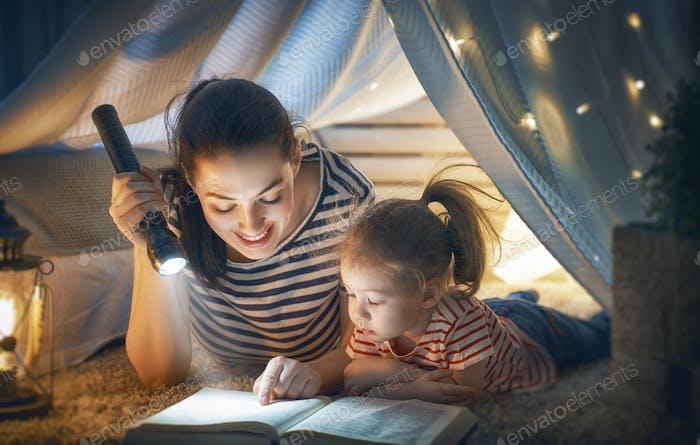 Libro de lectura de mamá y niño