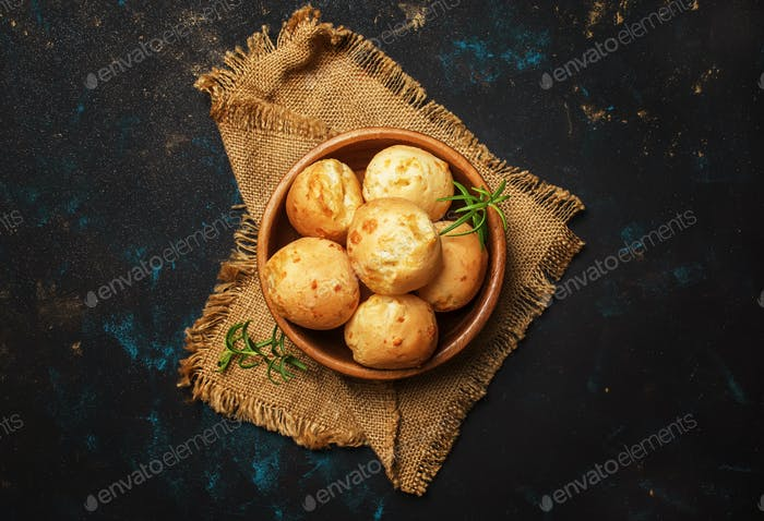 Tasty buns with rosemary, rustic style
