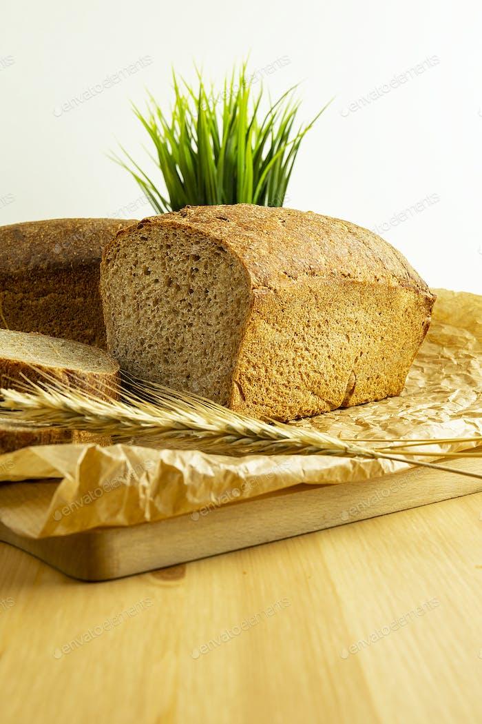 Spelt bread on cutting board