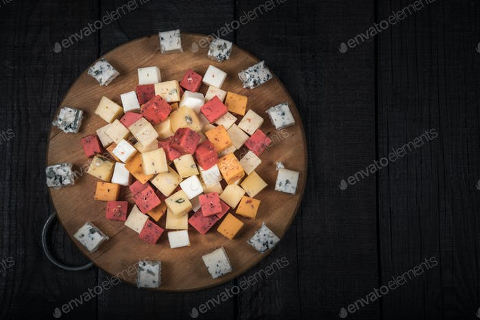 many kinds of cheeses