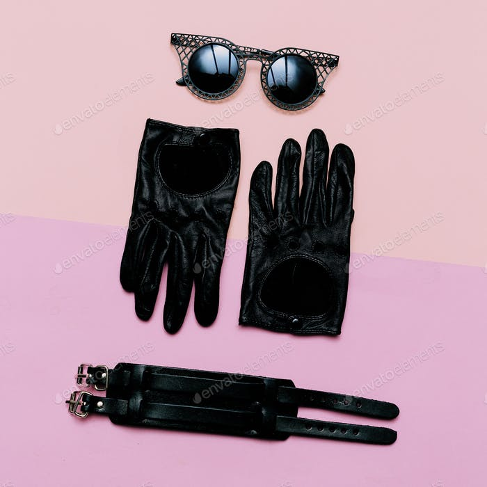 clothes top view Women's Accessories Gloves, sunglasses, bracele