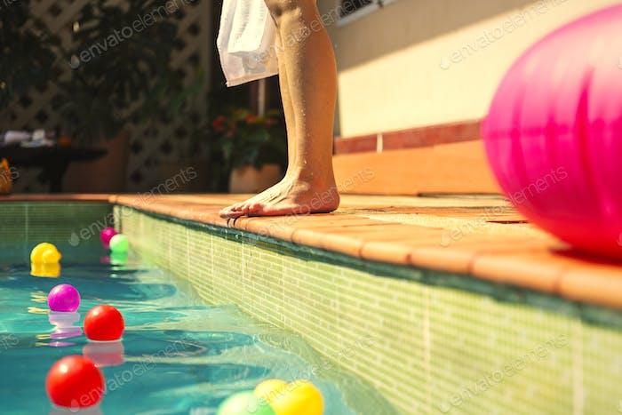 Mädchen genießen Sommerurlaub