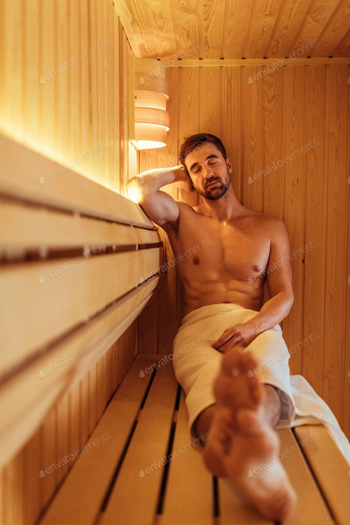 Stillzeit in der Sauna
