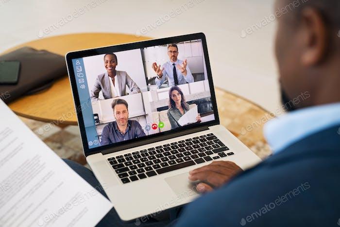Geschäftsleute, die mit Videoanruf von Remote arbeiten