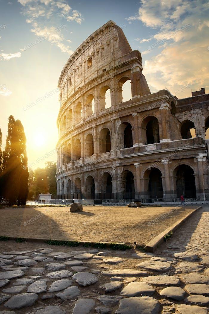 Großes Kolosseum am Morgen