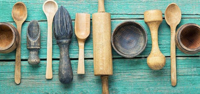 Kochgeschirr aus Holz