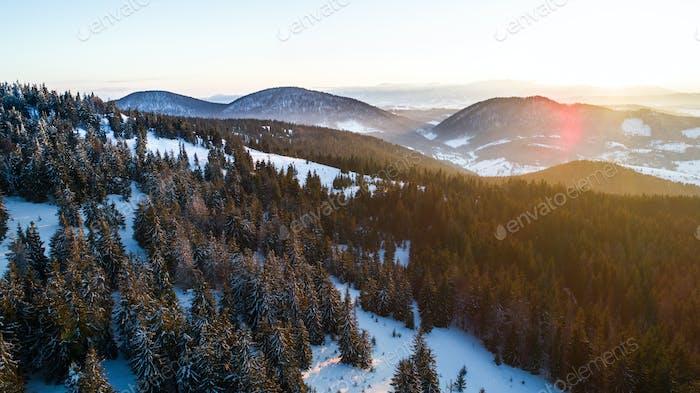 Luftaufnahme der faszinierenden malerischen Landschaft