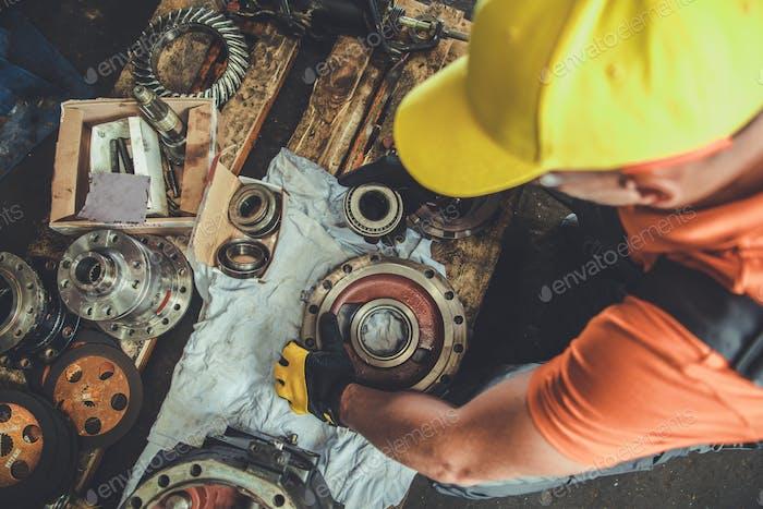 Professional Machinery Mechanic
