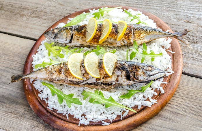 Grilled mackerel with basmati rice and fresh arugula
