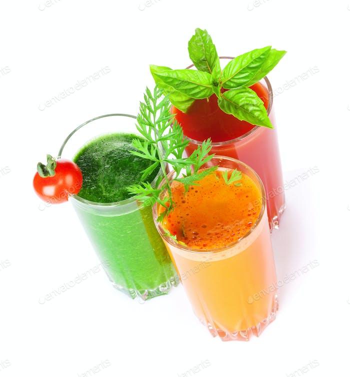 Frischer Gemüsesmoothie. Tomate, Gurke, Karotte