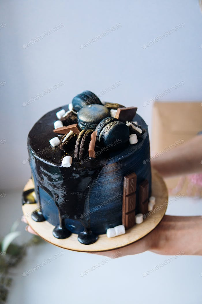 beautiful designer chocolate cake