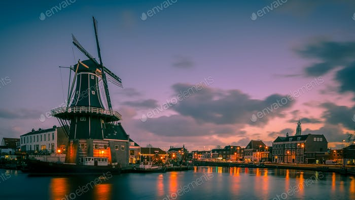 Haarlem night scene retro look