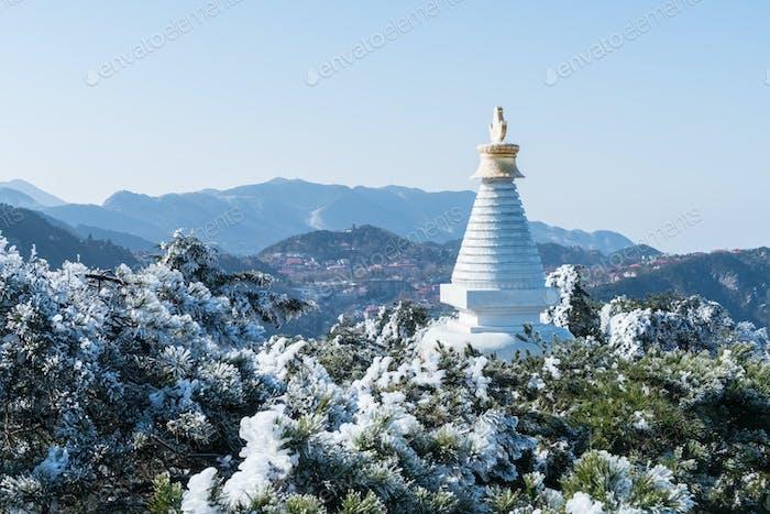 weiße Pagode im Berg Lushan