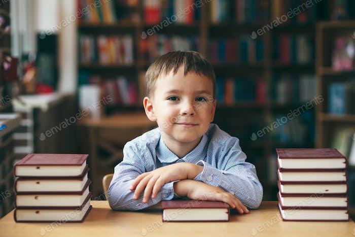 Junge bereit für die Schule