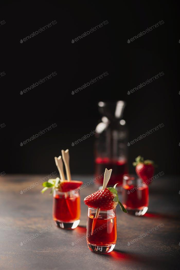 Schuss mit Erdbeer-Wodka