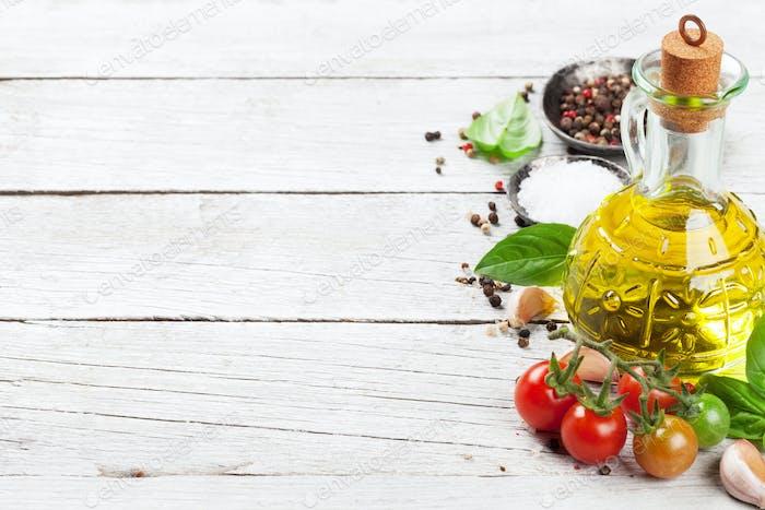 Tomaten, Basilikum und Gewürze