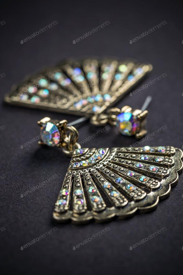 Fan shaped metal earrings