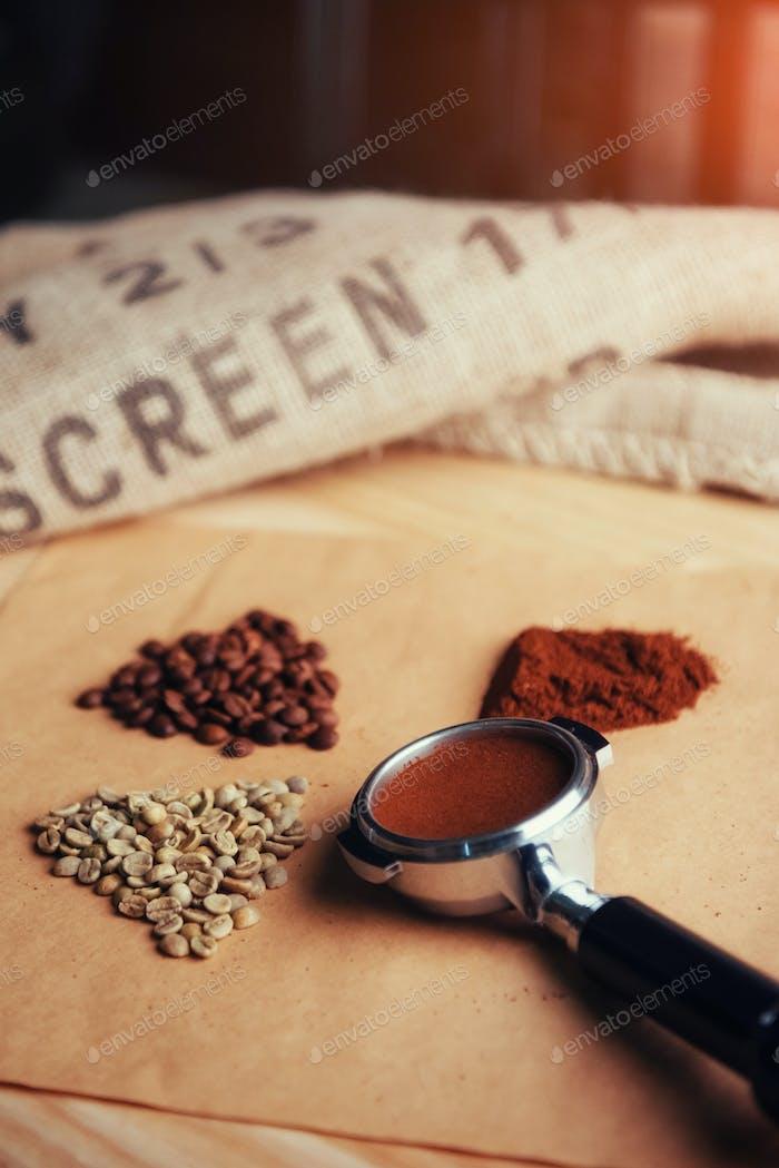 grüner, gerösteter, gemahlener und Instantkaffee.