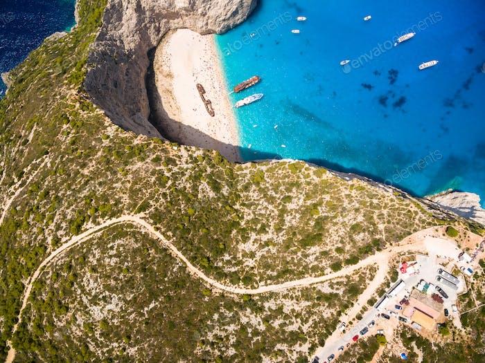 Vista Aéreo de la Playa de Navagio vista del naufragio en Zakynthos (Zante