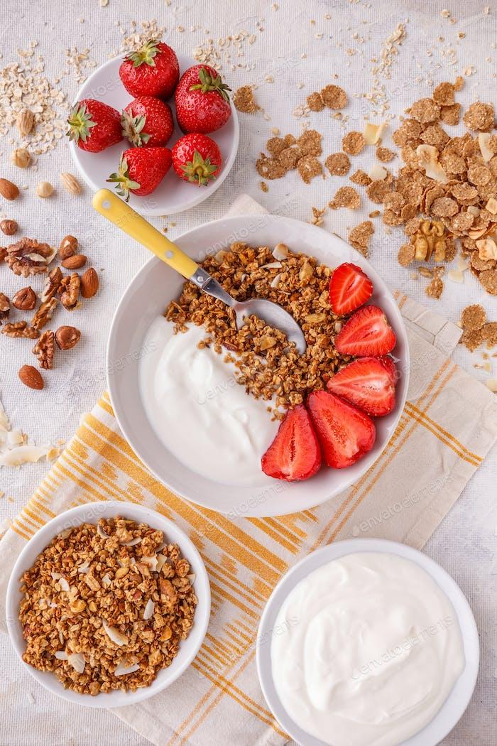 Oat granola breakfast