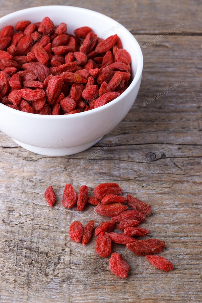 Goji berries in a bawl