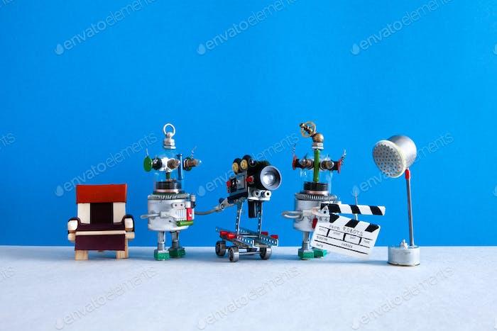 Kino-Fernsehteam Roboter-Regisseur-Betreiber, Assistent mit Schindeln