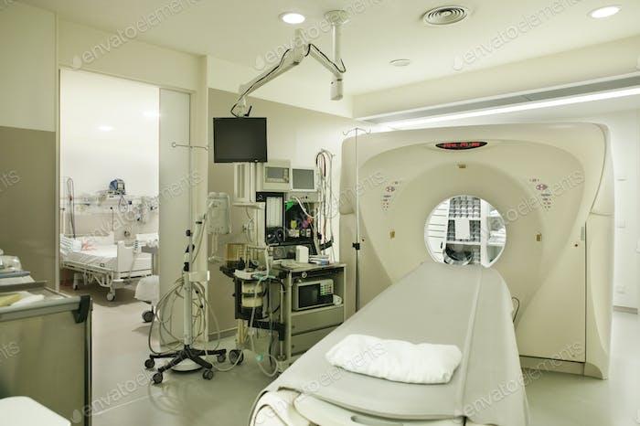 Computer-Axial-Tomographie Krankenhausraum. Ausgestattete Onkologie Diagnosebereich