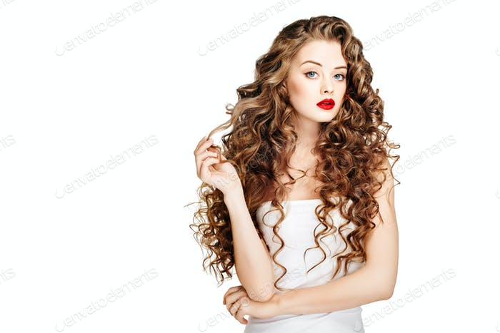 Beautiful people. Curly Hair Red Lipsq. Fashion Girl With Healthy Long Wavy Hair. Beauty Brunette
